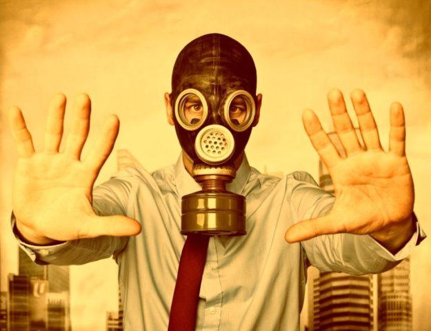 hombre mascara de gas hombre toxico viajero toxico turista toxico