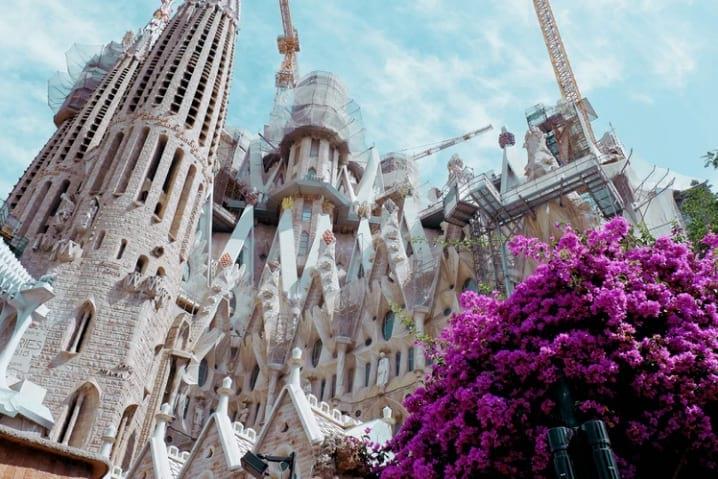 cambiar dólares por euros en el Prat aeropuerto de barcelona la sagrada familia